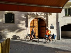 Pilgrims on the way: early to rise, early to ride